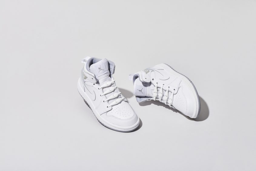 03-PK2AH_Solid_100_White_WhiteShoes_1