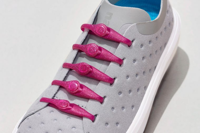 04-PK2AS_Solid682_GlitterPink_WhiteShoes2_lo